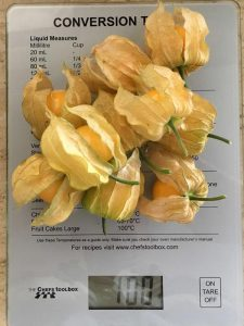 100 grams of Cape Gooseberries